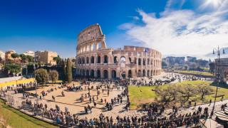 Когато сте в Рим, не се обличайте като гладиатори и центуриони, предупредиха властите