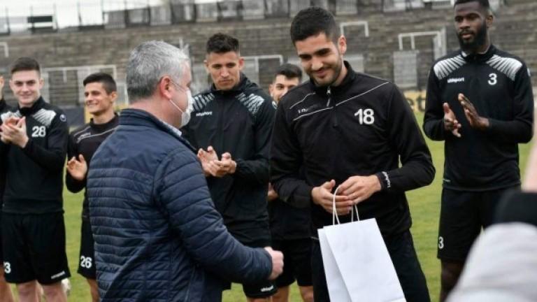 Локомотив ще бъде удостоен с почетен знак на Пловдив