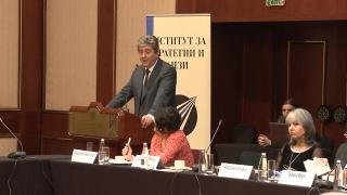 Нужна ни е човеколюбива национална доктрина, убеждава вицето Попова