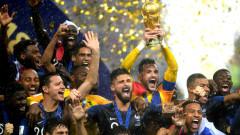 """Франция е световен шампион за втори път! """"Петлите"""" триумфираха с 4:2 в знаменит финал срещу Хърватия"""
