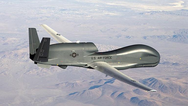 """Боен дрон на САЩ """"слухти"""" по западните граници на Русия"""