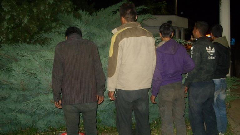 Хърватската полиция хвана двама българи трафиканти с група от 62-ма мигранти
