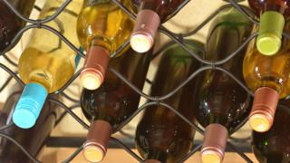 Френски винопроизводители ще правят дезинфектанти от непродаденото вино