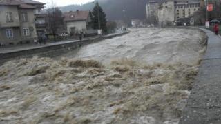 И държавата виновна за наводненията