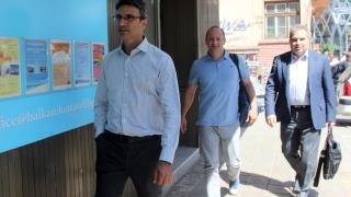 И Димо Гяуров се отказа от кандидат-президентска номинация, реформаторите зациклят с избора