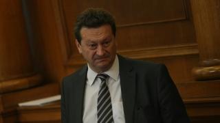 Ерменков по къси гащета и тениска писал статуса за Крим