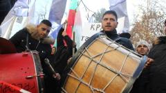 """Плащат ли си данъците в гетото на """"Захарна фабрика"""", питат от ВМРО"""
