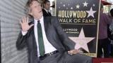 Хю Лори откри звездата си на Алеята на славата