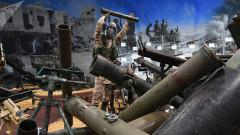 """Сирийските военни показаха оръжия, иззети от терористите от """"Ислямска държава"""""""