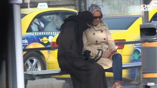 Законът за бурките в София не работи, установи медиен експеримент