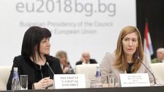 Ангелкова преговаря за директна авиолиния София-Пекин