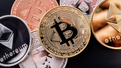 Bitcoin е на крачка от $1 трилион капитализация