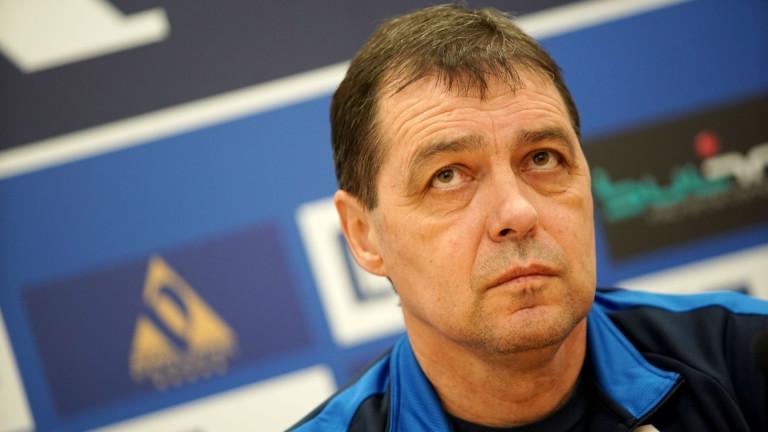 """Хубчев е капитанът, от който корабът """"Левски"""" се нуждае в мъртвото футболно вълнение"""