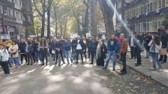 Областният на Бургас се разграничи от своя протестиращ заместник