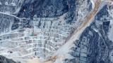 Планините в Италия за $1 милиард, където се произвежда най-много мрамор в света