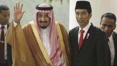 За първи път от 50 г. кралят на Саудитска Арабия на посещение в Индонезия