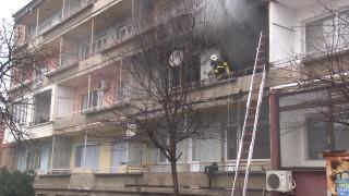 Възрастна жена загина при пожар в дома си в София