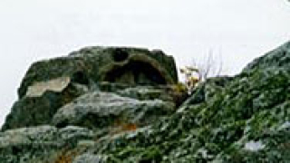Пътят към светилището на Орфей в Татул, осеян с боклуци
