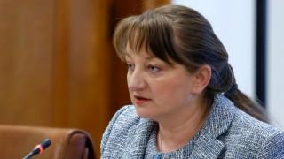 Деница Сачева: Отговорността за случилото се под колоните на МС е лична