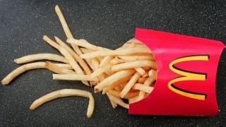 McDonald's ощетявали клиентите си с по-малко картофки?