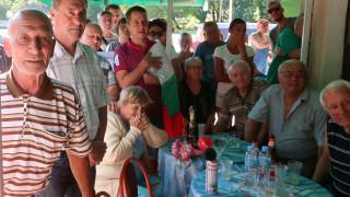Трескава подготовка във Върбица за посрещането на златната Стойка