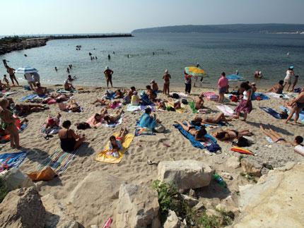"""Спасители искат глоби за """"хулиганите на плажа"""""""