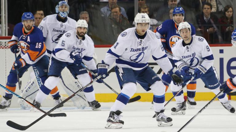 Тампа Бей удържа първото място в генералното класиране на НХЛ