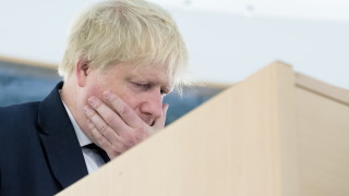 """Борис Джонсън нарече плана на Мей за Брекзит """"колан на самоубиец"""""""