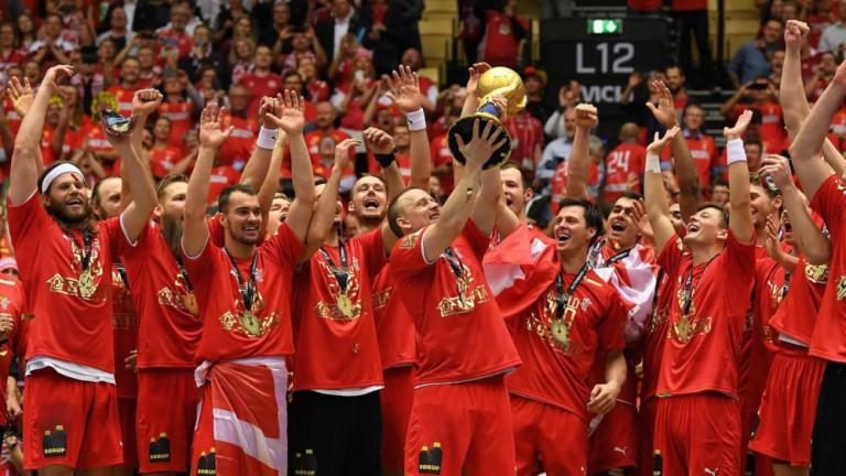 Дания разгроми Норвегия за първа световна титла в мъжкия хандбал