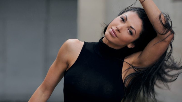 Една от най-красивите българки Биляна Йотовска продължава да е полезна