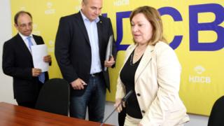 НДСВ открехна вратата към Кунева