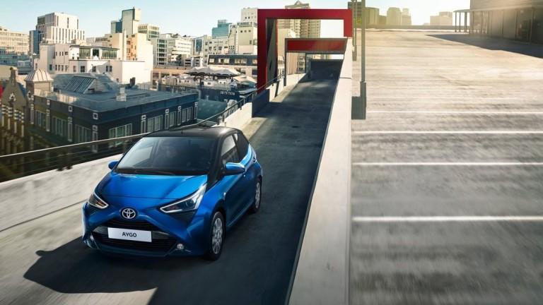 Toyota Motor Corp. спря временно производствената дейност в Русия, разширявайки