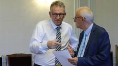Стойчо Кацаров: Не очаквайте здравният министър да ваксинира насила