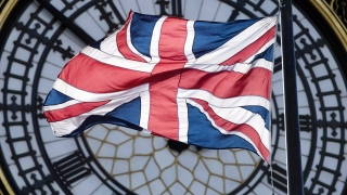 Великобритания подписва споразумение за свободна търговия с Южна Корея...
