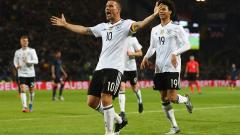 Германия надви Англия при сбогуването на Лукас Подолски