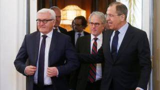 Европа да спре геополитическите игри, призова Лавров на среща с Щайнмайер