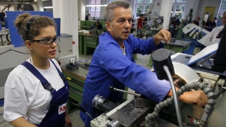 Най-търсените работници по сектори и професии