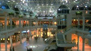"""Инвестират €120 млн. в """"България мол"""" в столицата"""