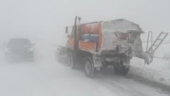 Само мокрият сняг виновен за спирането на тока в Северозападна България