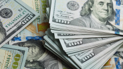 Доларът поскъпва спрямо повечето световни валути