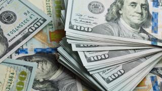 Доларът става все по-желан при страховете за световната икономика