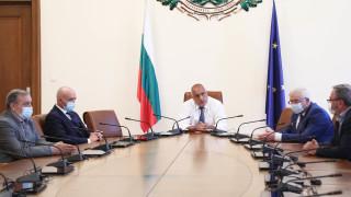 Борисов разпореди презапасяване на болниците със защитни средства