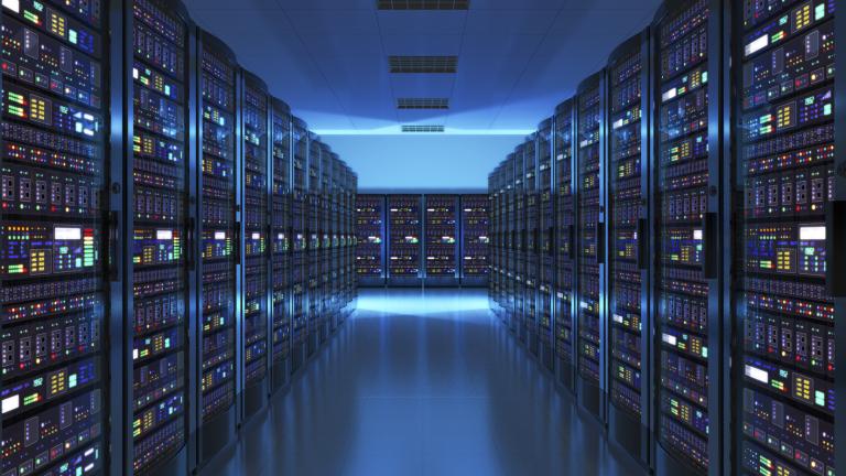 Близо 400 супер големи центрове за данни има в света.