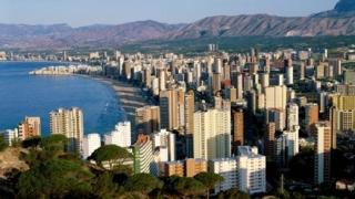 Рекорден спад на продажбите на жилища в Испания