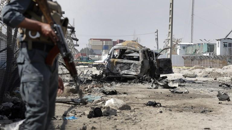 7 души загинаха и 21 са ранени при три взрива в Кабул