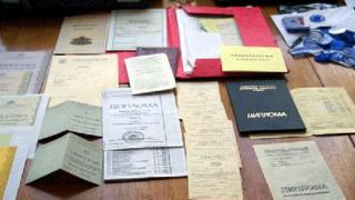 Задържаха фалшификатор на документи
