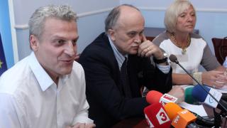 Москов дава болници на прокуратурата заради отказан прием на онкоболни