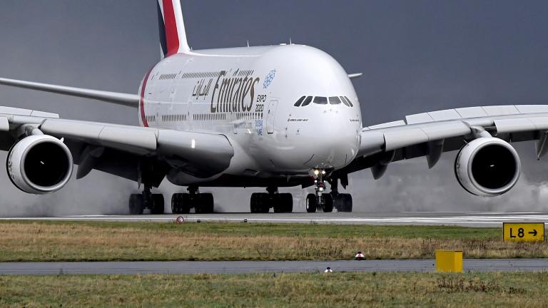 Emirates започва да покрива медицинските разходи на пътниците за коронавирус или погребение