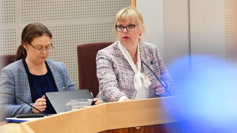 Швеция не трябва да задържа Асандж задочно, постанови местен съд