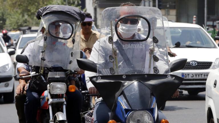 Иран затвори вестник след коментар, че властите лъжат за коронавируса